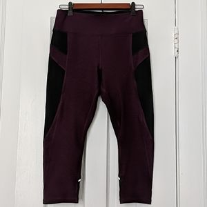 NWT Calvin Klein Performance Capri Leggings
